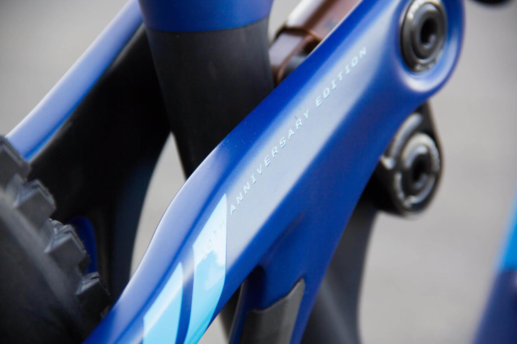 Pivot 5.5 Anniversary Edition - Very Blue Edition