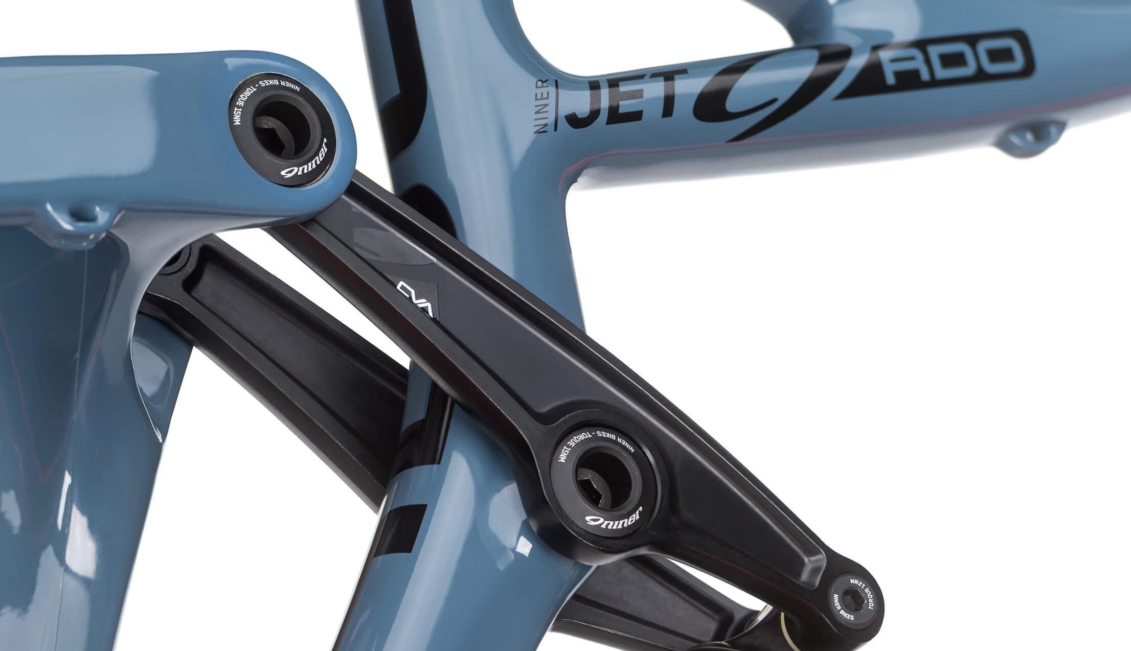 Niner JET 9 RDO 3-Star Build Slate/Orange Medium Upper Pivot Closeup