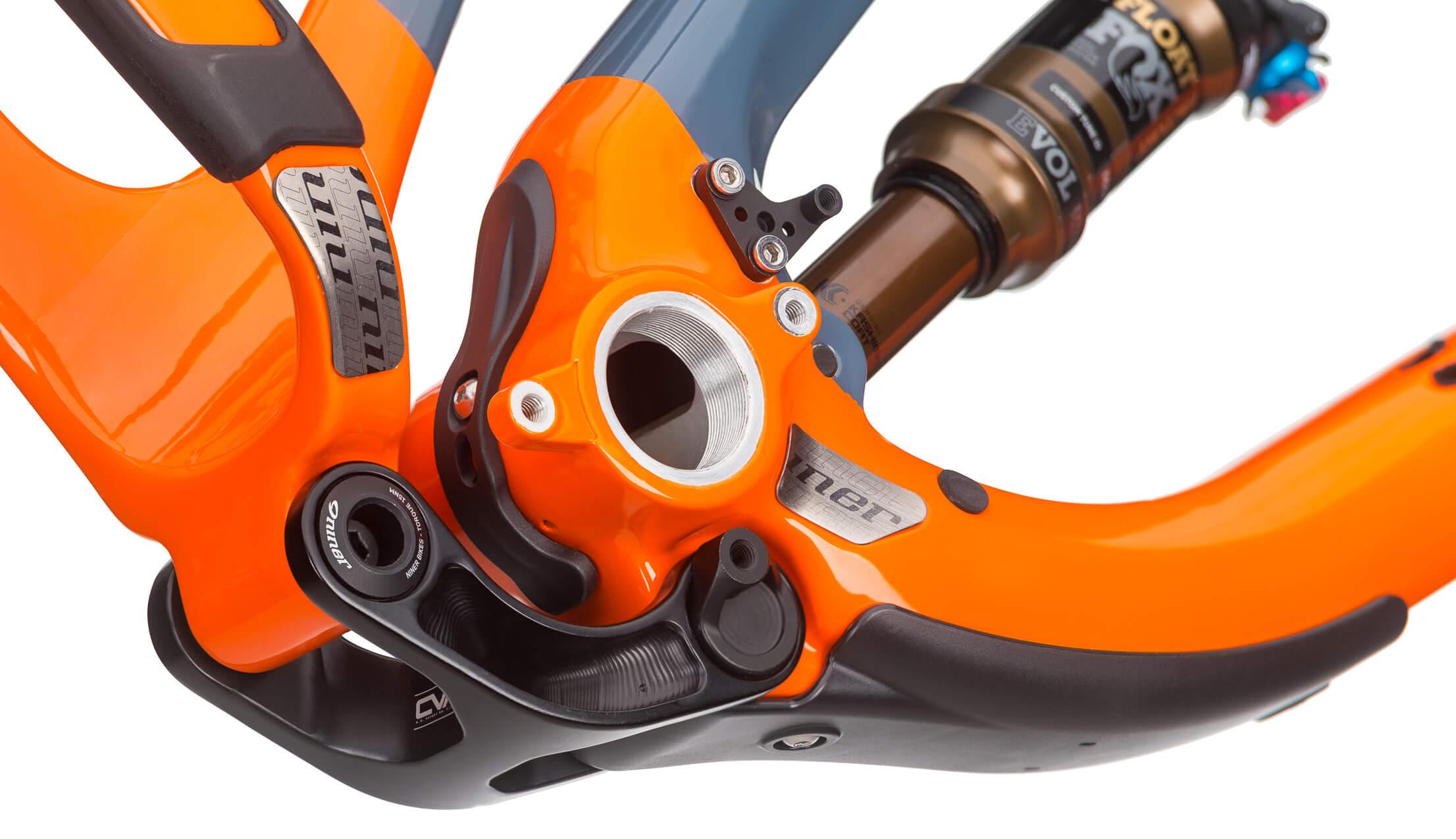 Niner JET 9 RDO 3-Star Build Slate/Orange Medium Lower Pivot and Shock Detail